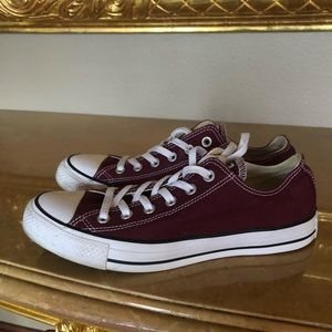 Converse size 10 maroon